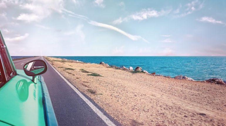 Voorbereid met auto op vakantie